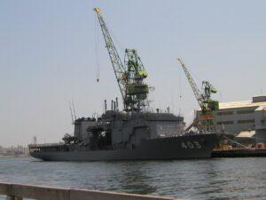 潜水艦救護艦ちはや型